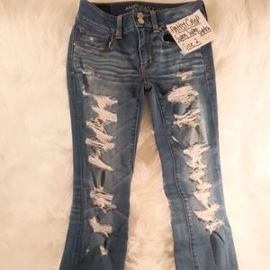 American Eagle Distressed Cropped Jeans Size 2